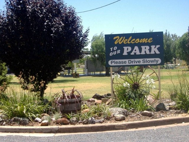 Country Club Caravan Park - WA Accommodation