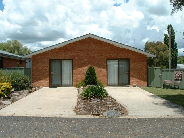 Fossicker Caravan Park - WA Accommodation