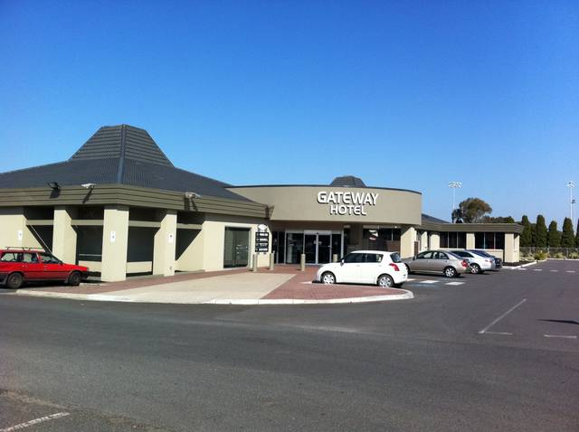 Gateway Hotel - WA Accommodation