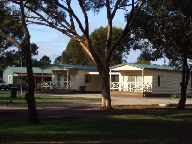 Laura Community Caravan Park - WA Accommodation