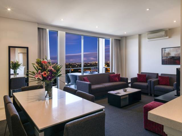 Meriton Serviced Apartments Parramatta - WA Accommodation