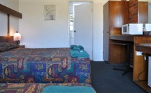 Adrian Motel - Forbes - WA Accommodation