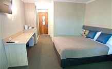 Lakeview Hotel Motel - Oak Flats - WA Accommodation