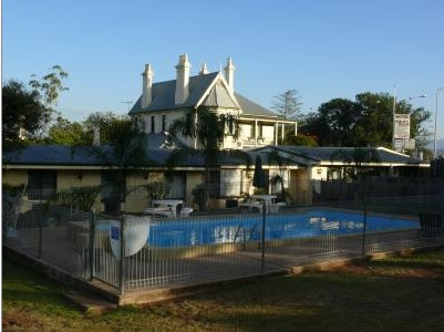 Airlie House Motor Inn - WA Accommodation