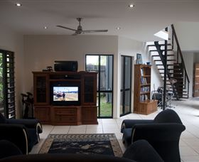 Dolphin Beach House - WA Accommodation