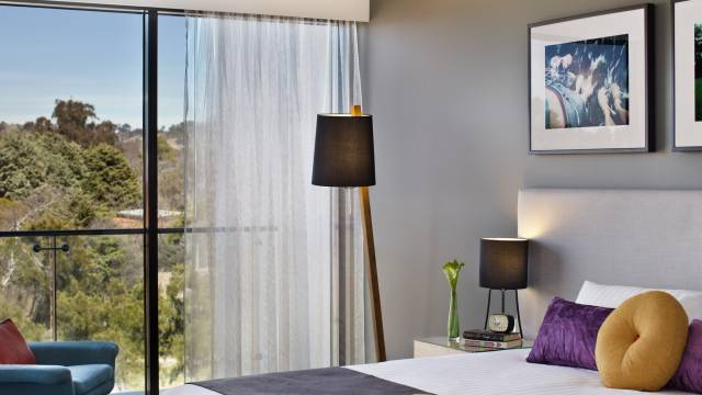 East Hotel  Apartments - WA Accommodation