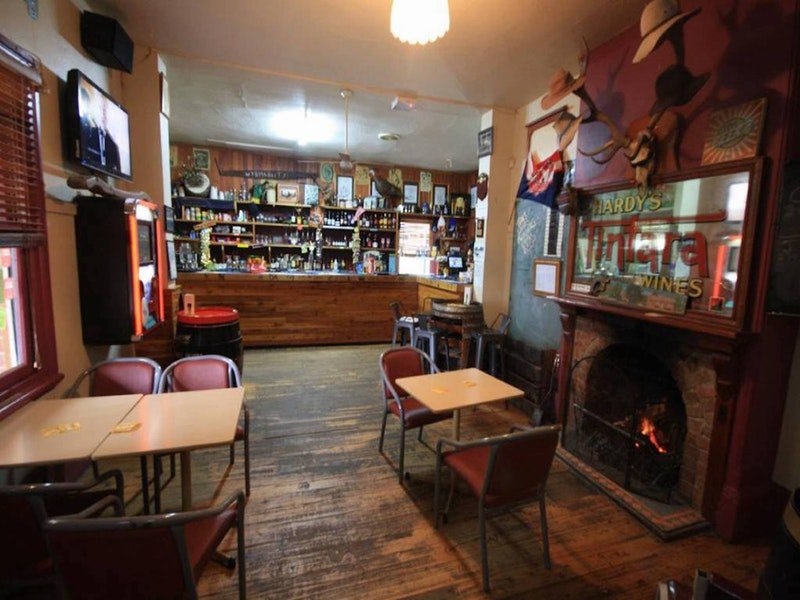Victoria Hotel Moonan Flat - WA Accommodation