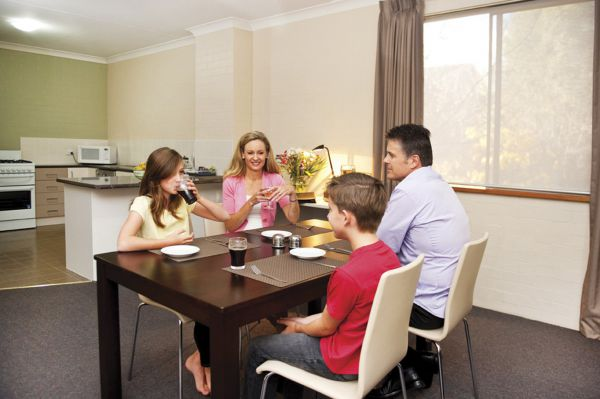 Oxley Court Apartments - WA Accommodation