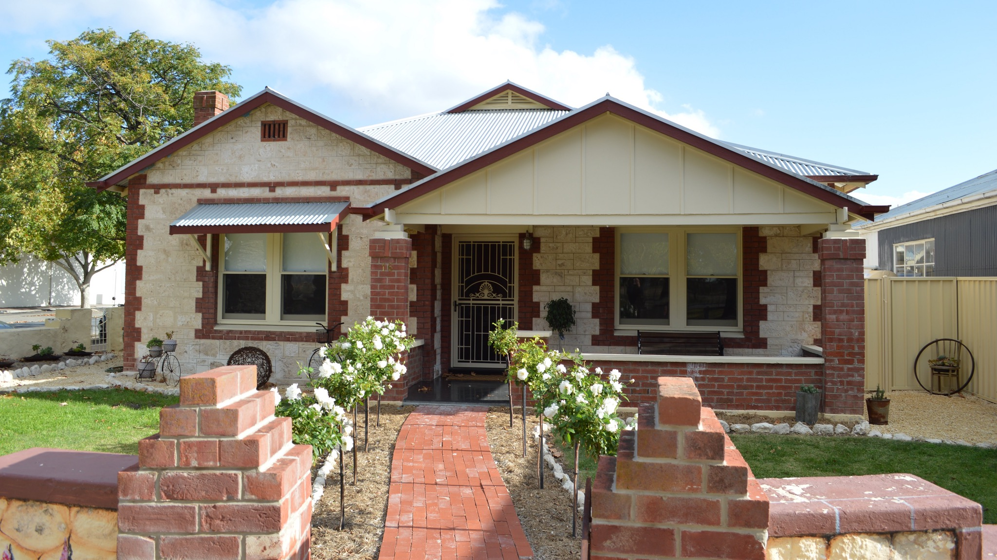 Two Cow Cottage Bed and Breakfast - WA Accommodation