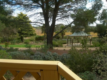 Lyndoch Hill Retreat - WA Accommodation
