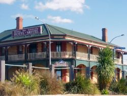 Streaky Bay Hotel Motel - WA Accommodation