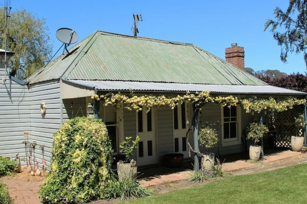 Drayshed Cottage - WA Accommodation