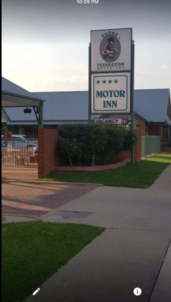 Federation Motor Inn Young - WA Accommodation