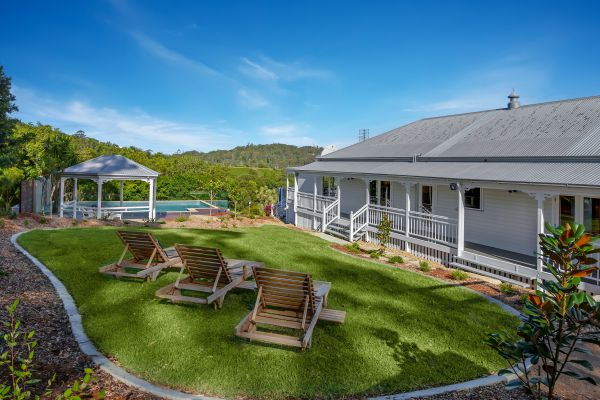 The Farmhouse Eumundi - WA Accommodation