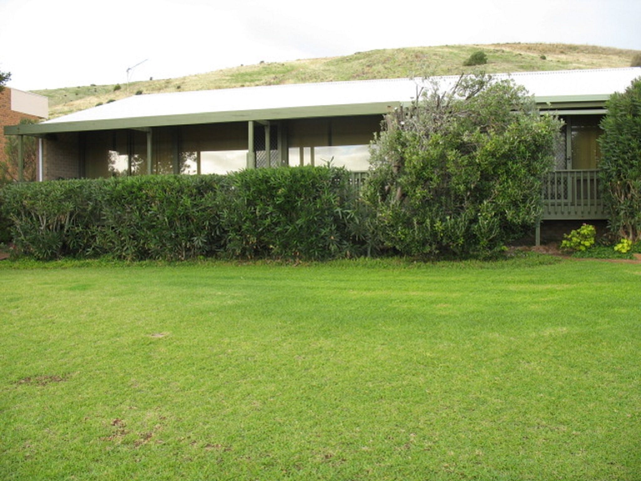 100 Gold Coast Drive Carrickalinga - WA Accommodation