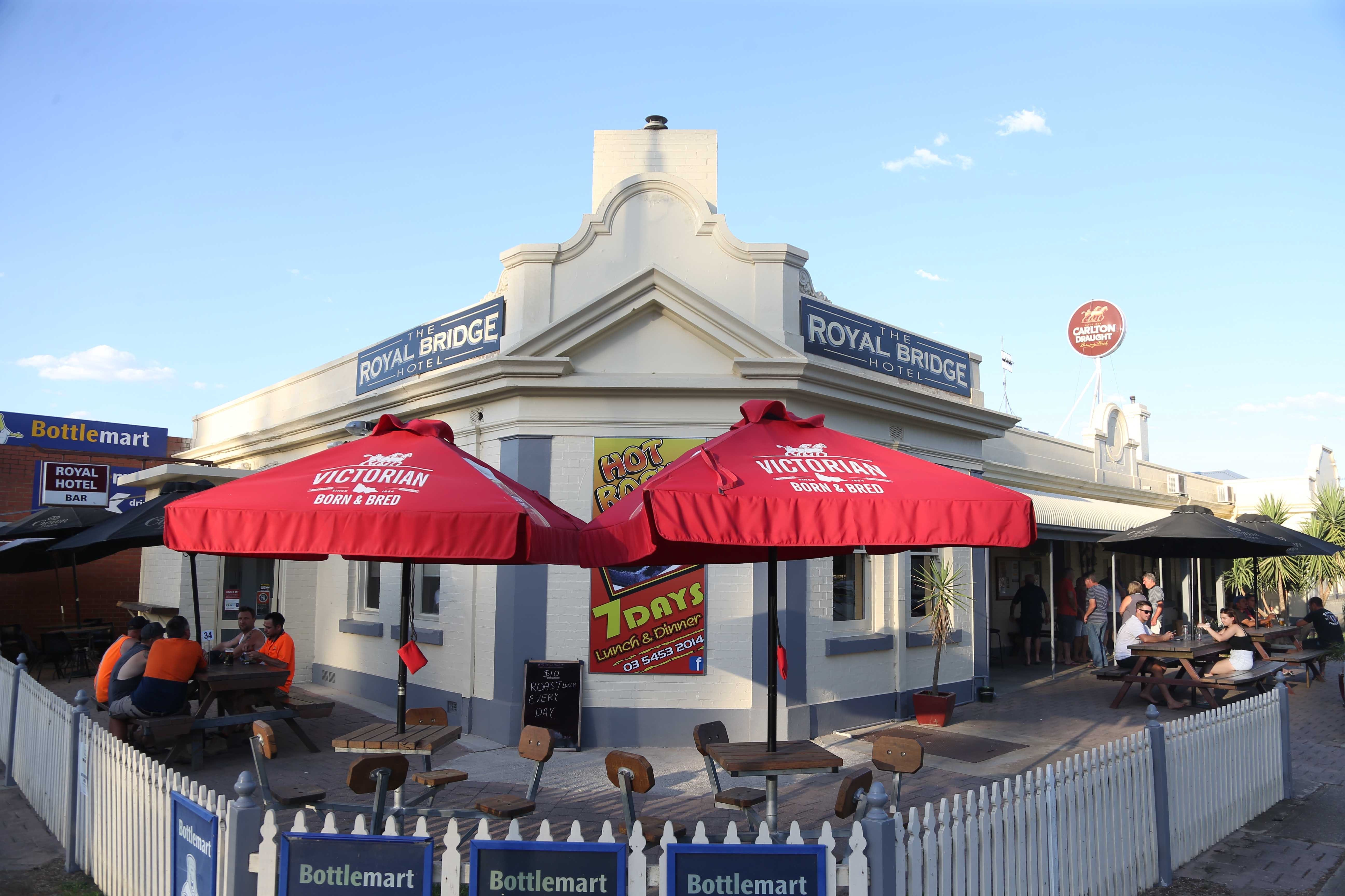 Royal Bridge Hotel Barham - WA Accommodation
