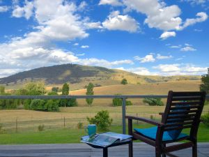 Adelong Valley Farm Stays - Moorallie Cottage - WA Accommodation