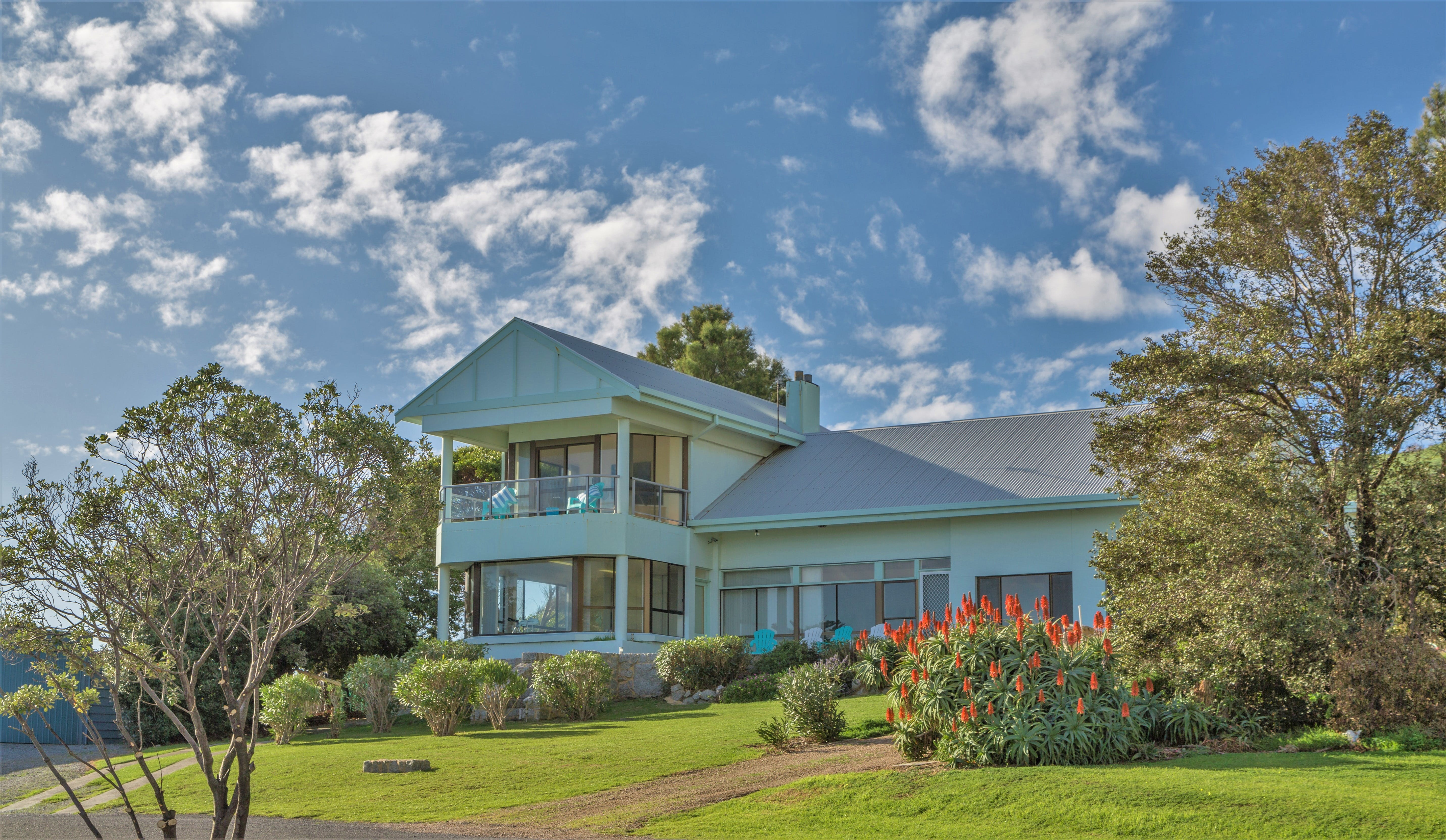 King of North Bay - WA Accommodation