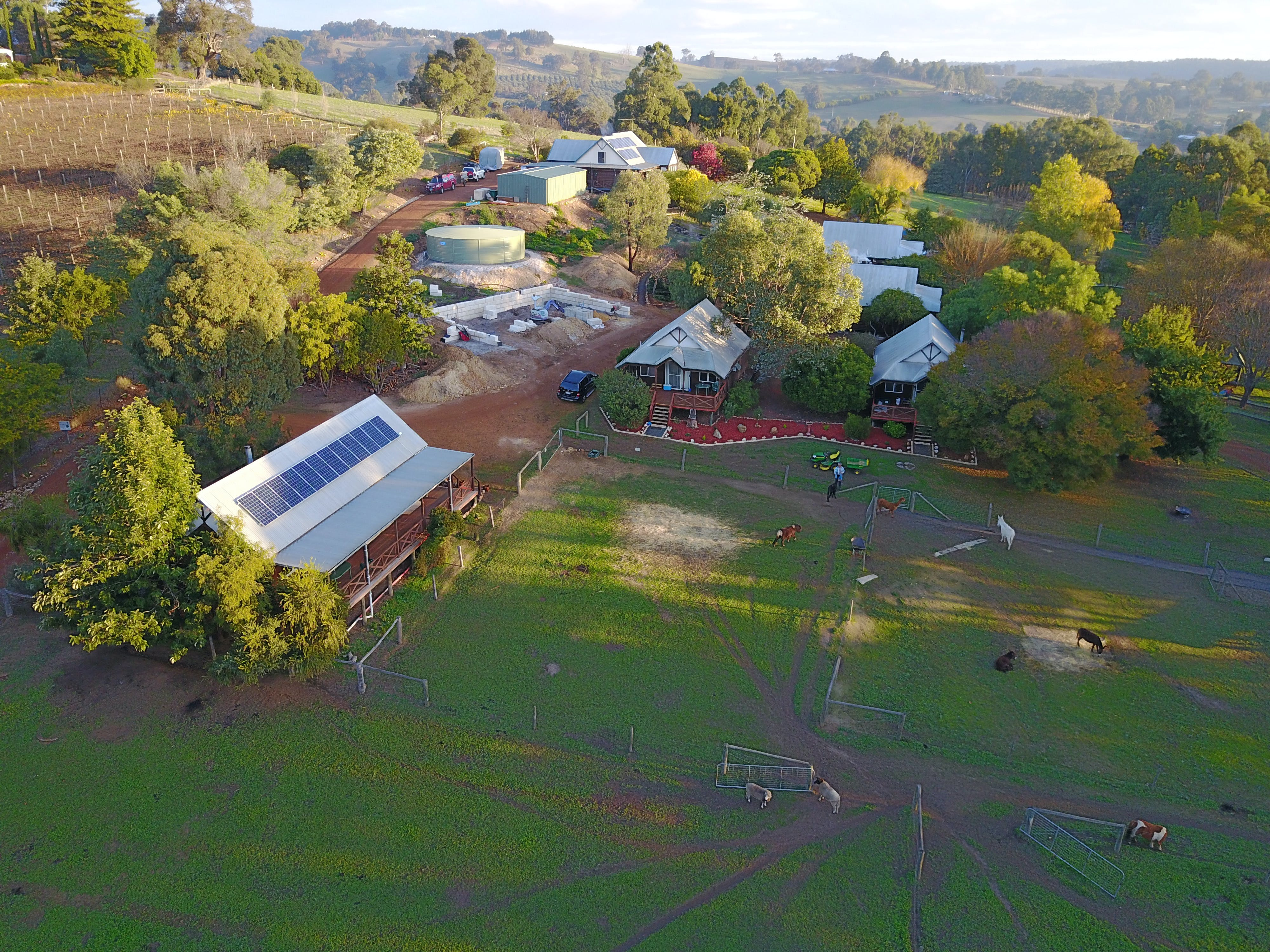 Sunnyhurst Chalets Farmstay - WA Accommodation
