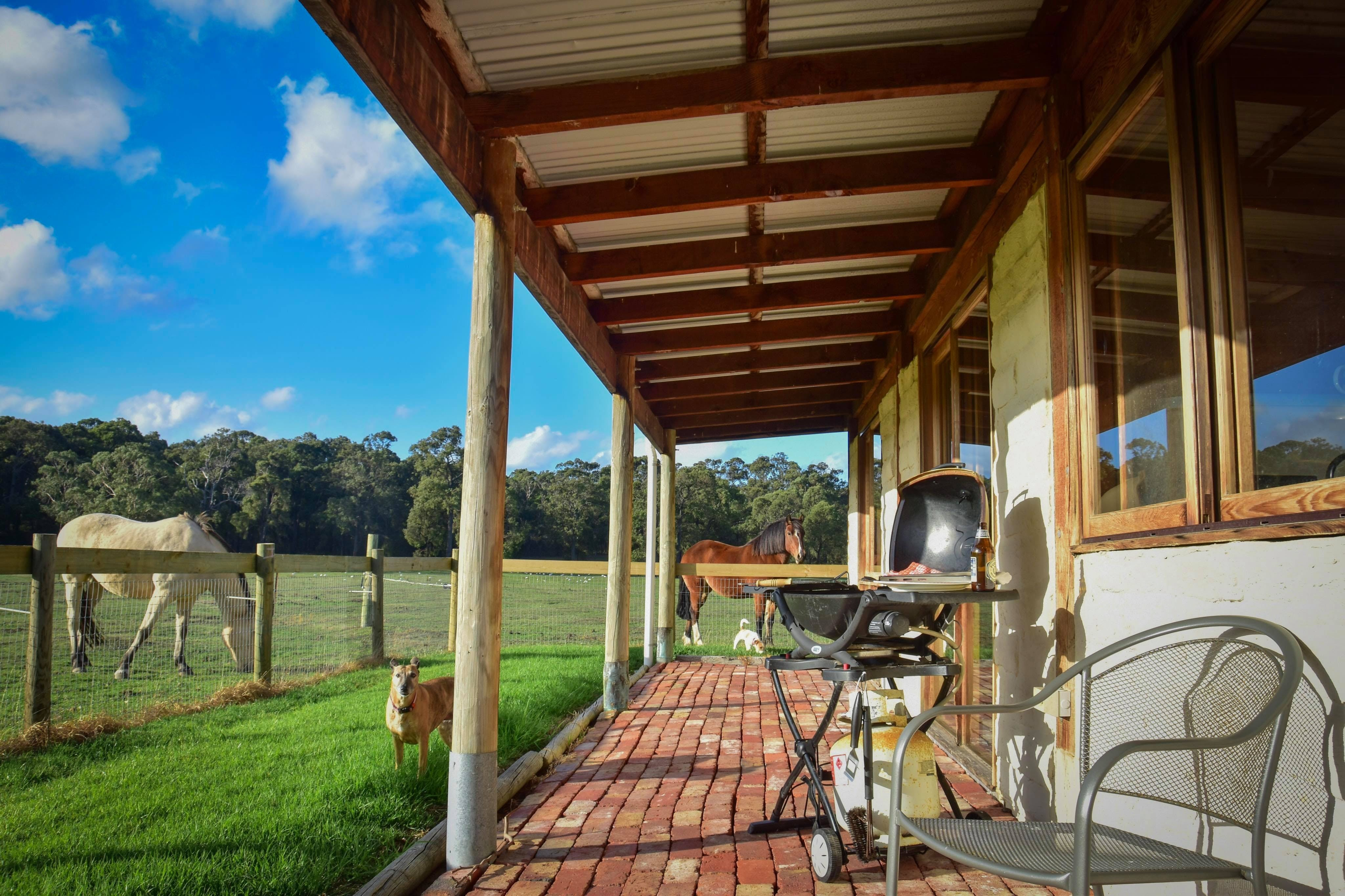 The Glen Farm Cottages - WA Accommodation