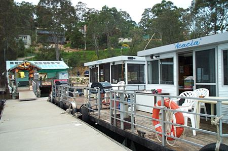 Clyde River Houseboats - WA Accommodation