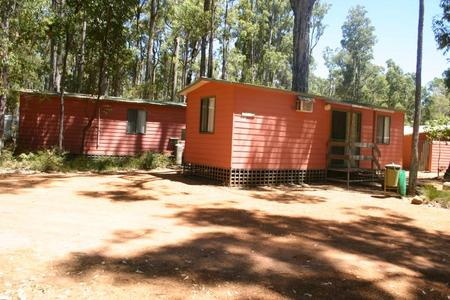 Dwellingup Chalets And Caravan Park - WA Accommodation