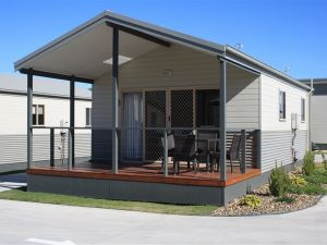 Bowlo Holiday Cabins - WA Accommodation