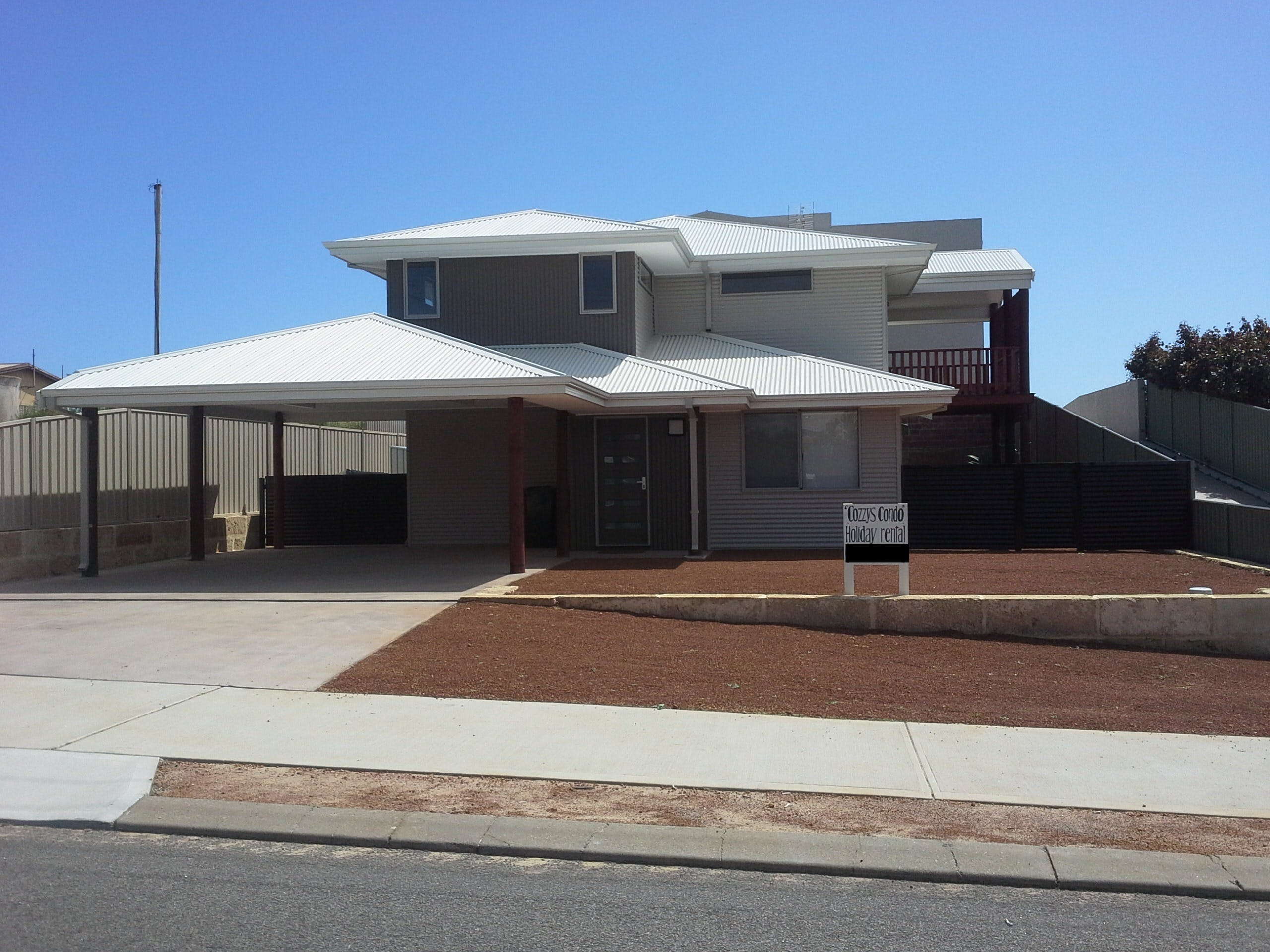 Cozzys Condo Luxury Beach House - WA Accommodation