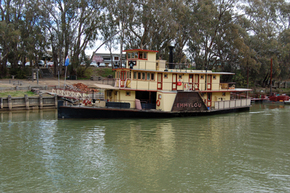 Emmylou Paddle Steamer - WA Accommodation
