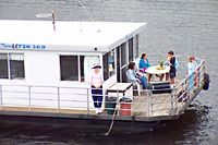 Clyde River Houseboats