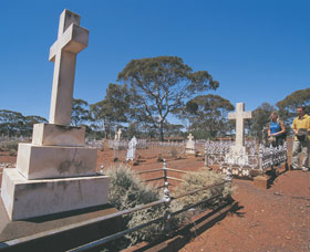 Coolgardie Cemetery - WA Accommodation