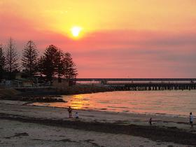 Wallaroo Jetty - WA Accommodation
