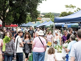 Willunga Farmers' Market - WA Accommodation