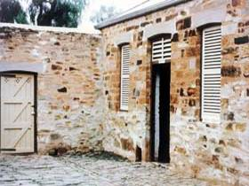 Police Lockup And Stables - WA Accommodation
