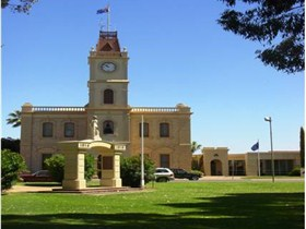 Discovering Historic Kadina Town Walk - WA Accommodation