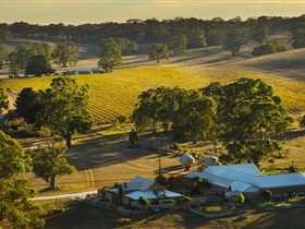 Hutton Vale and Farm Follies - WA Accommodation