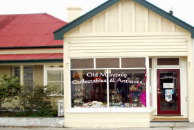 Old Maypole Collectables  Antiques - WA Accommodation