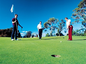 Oatlands Golf Course - WA Accommodation