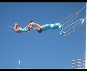 Trix Circus Flying Trapeze - WA Accommodation