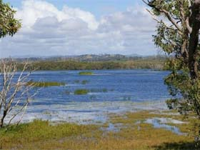 Lake Barfield - WA Accommodation