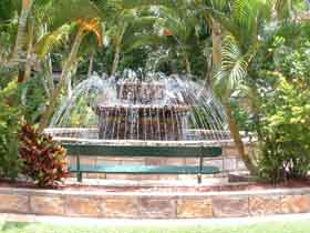 Bauer and Wiles Memorial Fountain - WA Accommodation