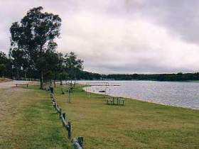 Storm King Dam - WA Accommodation