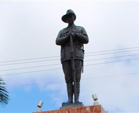 Charters Towers Memorial Cenotaph - WA Accommodation