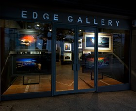 Edge Gallery Lorne - WA Accommodation