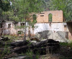 Newnes Shale Oil Ruins - WA Accommodation