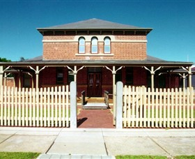 Wentworth Courthouse - WA Accommodation