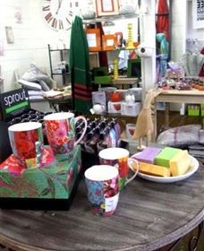 The Famous Tinonee Cafe and Gift Shop - WA Accommodation