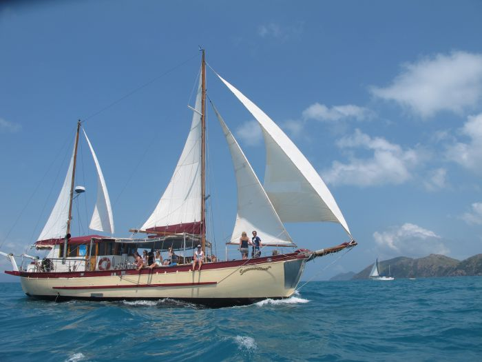 Adventure Cruise Dive and Outer Reef - Whitsundays Sailing Adventures - WA Accommodation