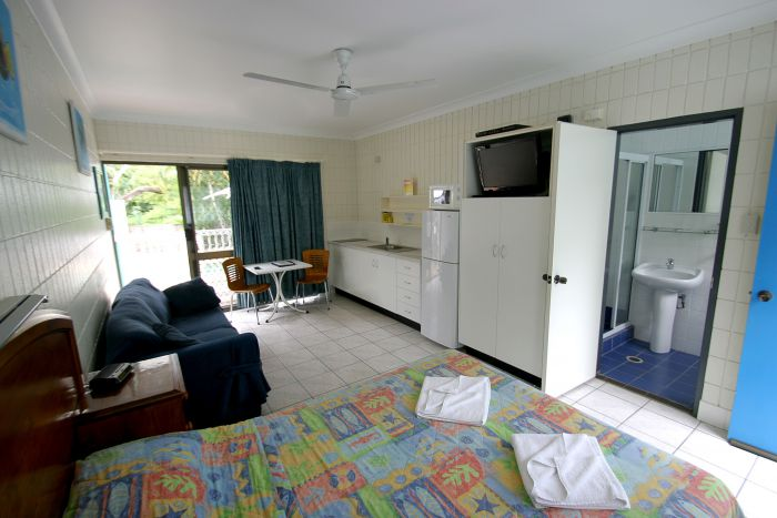 Tropical Palms Inn - WA Accommodation