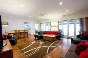 The Retreat Port Stephens - WA Accommodation